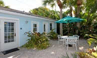 The Cottage - Sleeps 2 - 32 Steps to the Beach